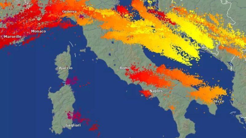 Ισχυρές καταιγίδες σάρωσαν την γειτονική Ιταλία
