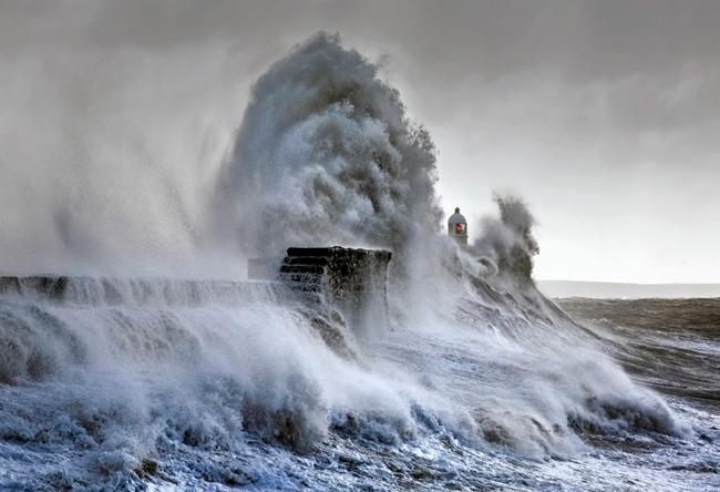 Σημαντική(πρόσκαιρη) επιδείνωση του καιρού αύριο Σάββατο 14/12/19 στην χώρα μας.Προσοχή⚠️ στους θυελλώδεις ανέμους στα πελάγη!