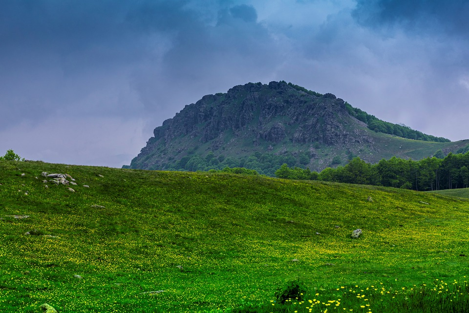 Συνεχίζονται οι τοπικές βροχές στην Κεντρική-Βόρεια χώρα και αύριο Τετάρτη 29/4/20. Καλύτερος ο καιρός στα Νότια.