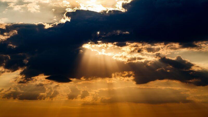 Στο ίδιο μοτίβο ο καιρός και την Κυριακή, βροχές και τοπικές καταιγίδες στα Κεντρικά και Βόρεια. Πρόγνωση καιρού Κυριακή 31/5/20.
