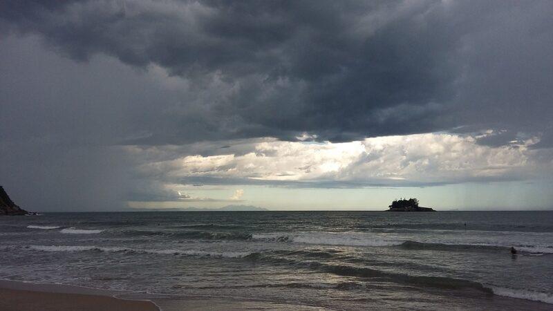 Βροχές στο Αιγαίο, αστάθεια στα Ηπειρωτικά. Πρόγνωση καιρού Τρίτη 2/6/20.