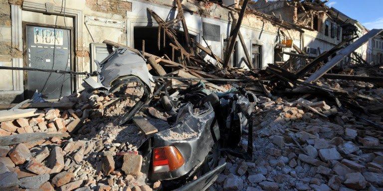 Η ανατριχιαστική στιγμή του μεγάλου σεισμού στην Κροατία 29/12/20.