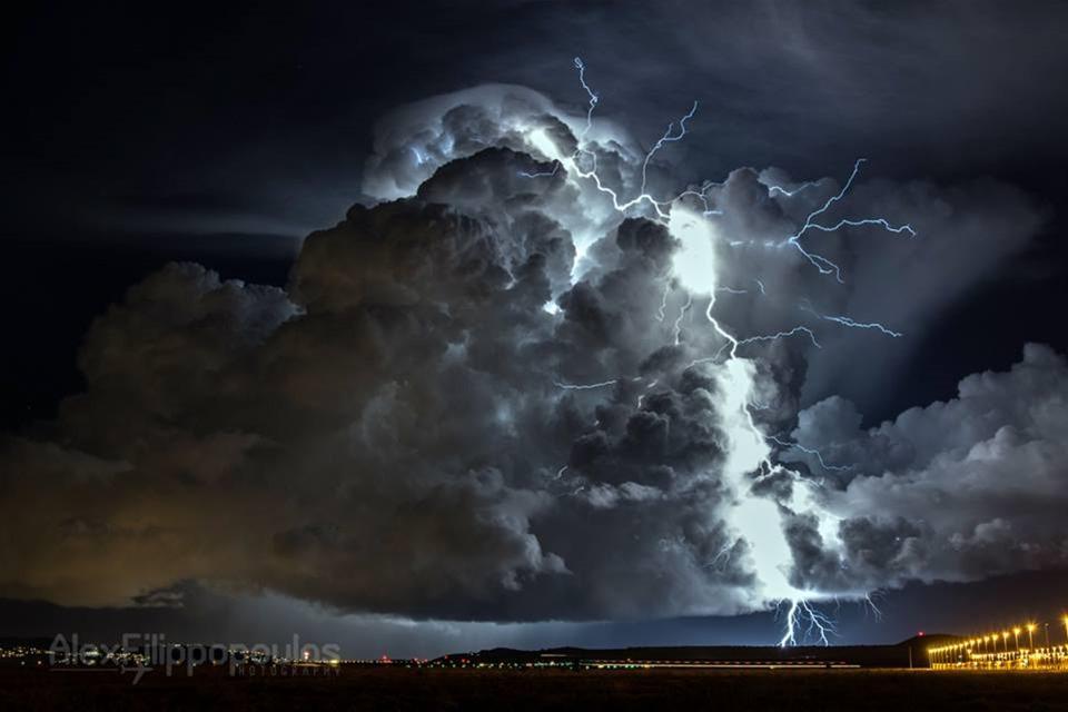 Σημαντική κακοκαιρία την Δευτέρα 4/1/21,βροχές-καταιγίδες.